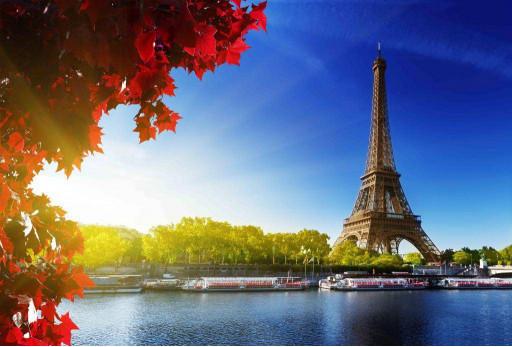 Эйфелева башня, река