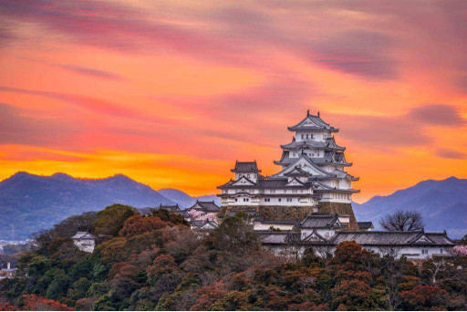 Китайский храм на закате