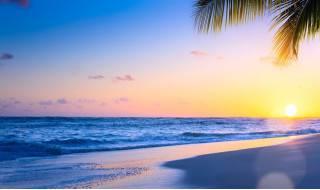Закат на морском берегу